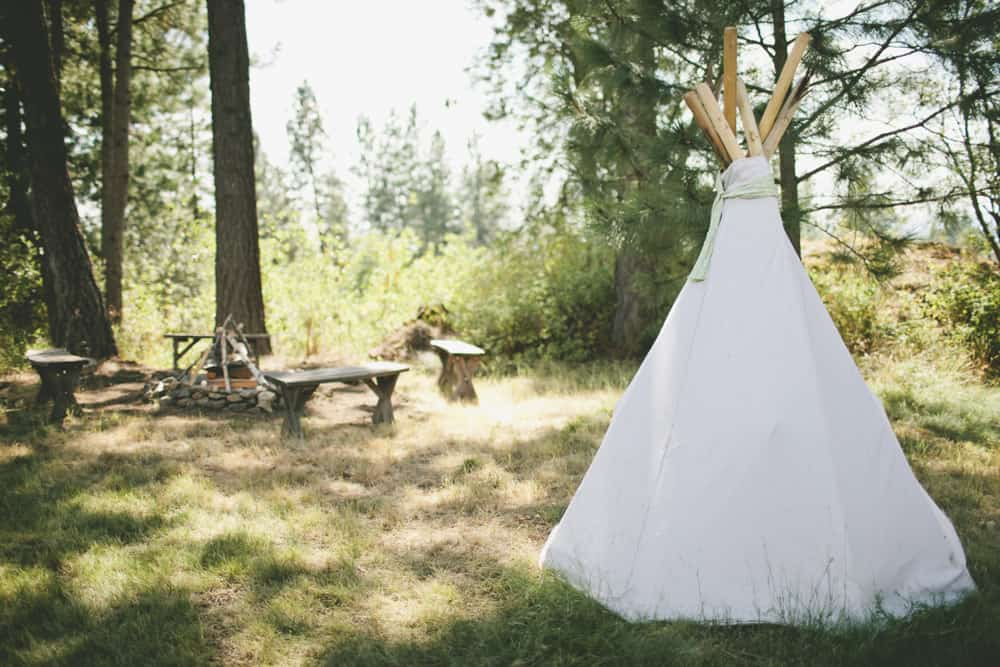 8_beautiful_spokane_summer_backyard_camp_love_wedding