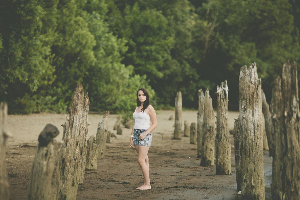 1_portland_oregon_waterfront_forest_senior_session