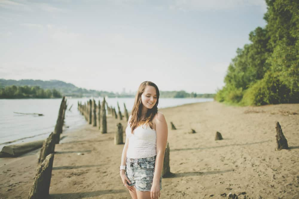 3_portland_oregon_waterfront_forest_senior_session