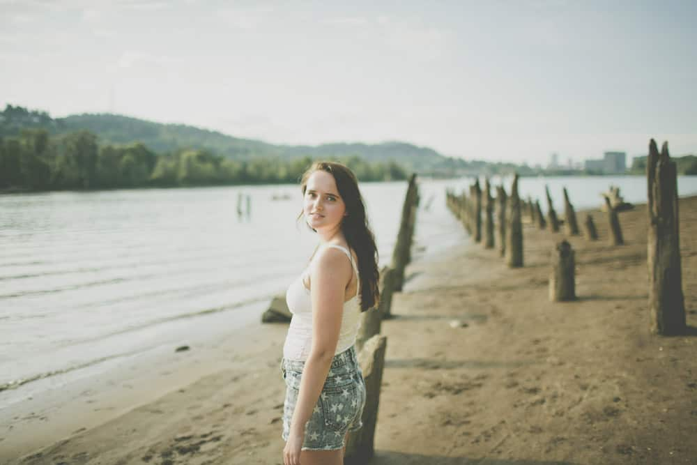 5_portland_oregon_waterfront_forest_senior_session