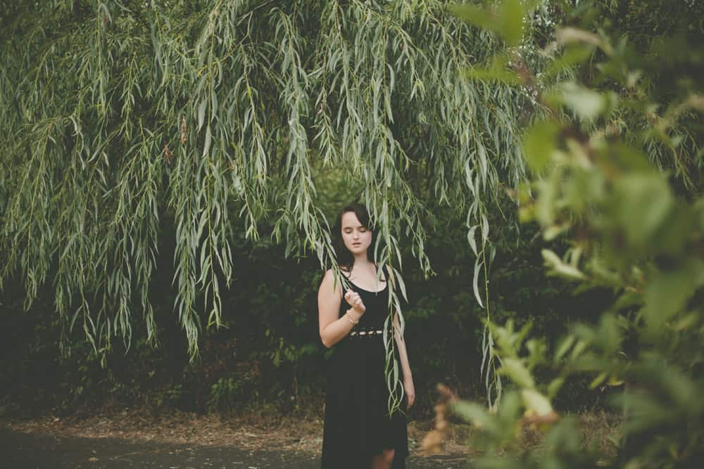 9_portland_oregon_waterfront_forest_senior_session