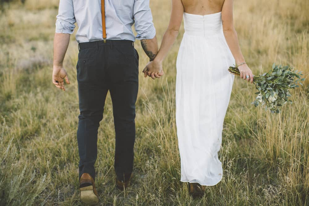 stylish mountain meadow elopement central oregon victoria carlson photography 0010
