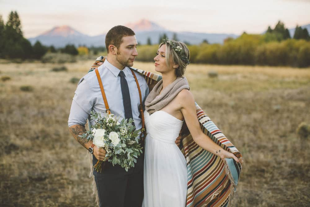 stylish mountain meadow elopement central oregon victoria carlson photography 0015