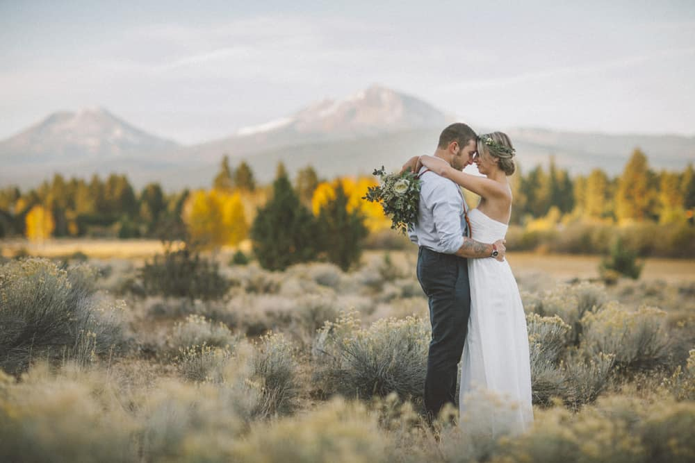 stylish mountain meadow elopement central oregon victoria carlson photography 0028