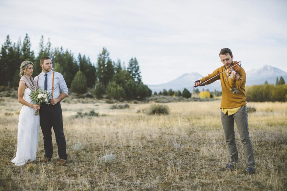 stylish mountain meadow elopement central oregon victoria carlson photography 0047