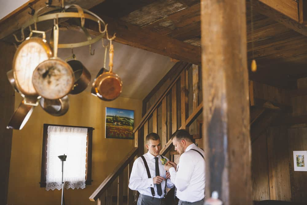 Petaluma Sonoma Ranch Estate Barn Wedding Victoria Carlson Central Oregon Bend Photographer Getting 0366