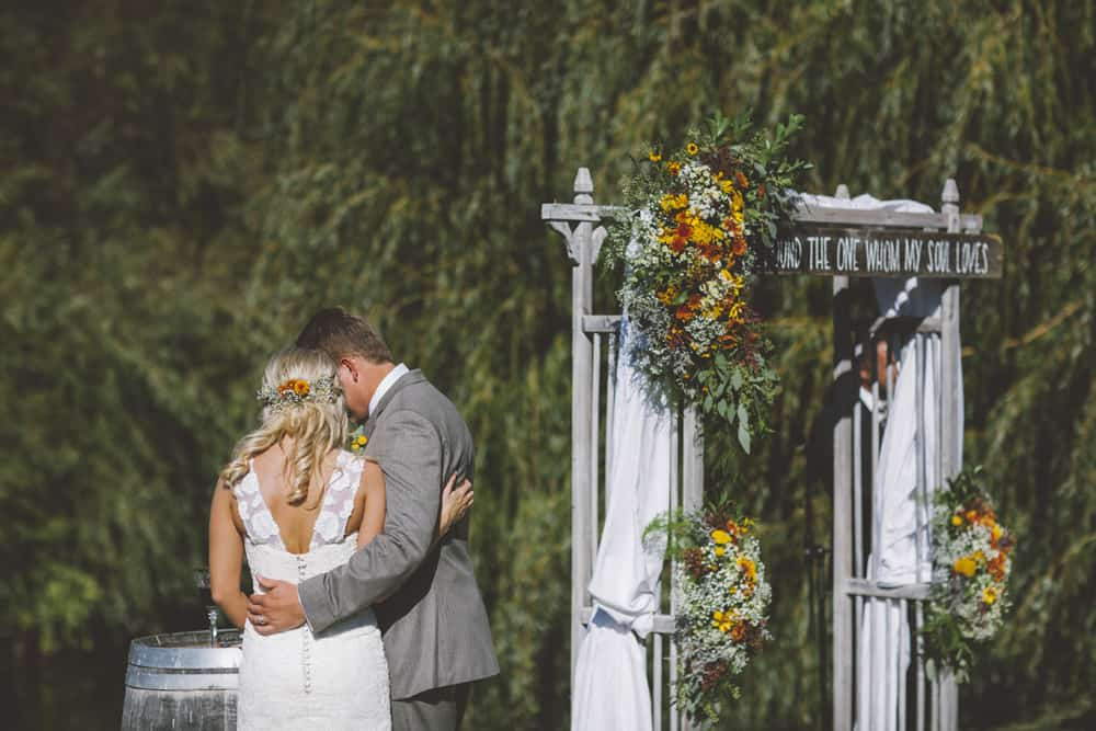 Petaluma Sonoma Ranch Estate Barn Wedding Victoria Carlson Central Oregon Bend Photographer Getting 0409