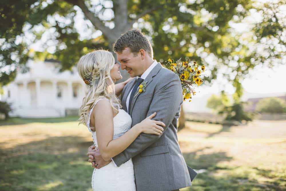 Petaluma Sonoma Ranch Estate Barn Wedding Victoria Carlson Central Oregon Bend Photographer Getting 0430