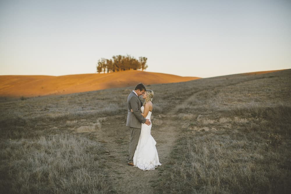 Petaluma Sonoma Ranch Estate Barn Wedding Victoria Carlson Central Oregon Bend Photographer Getting 0456