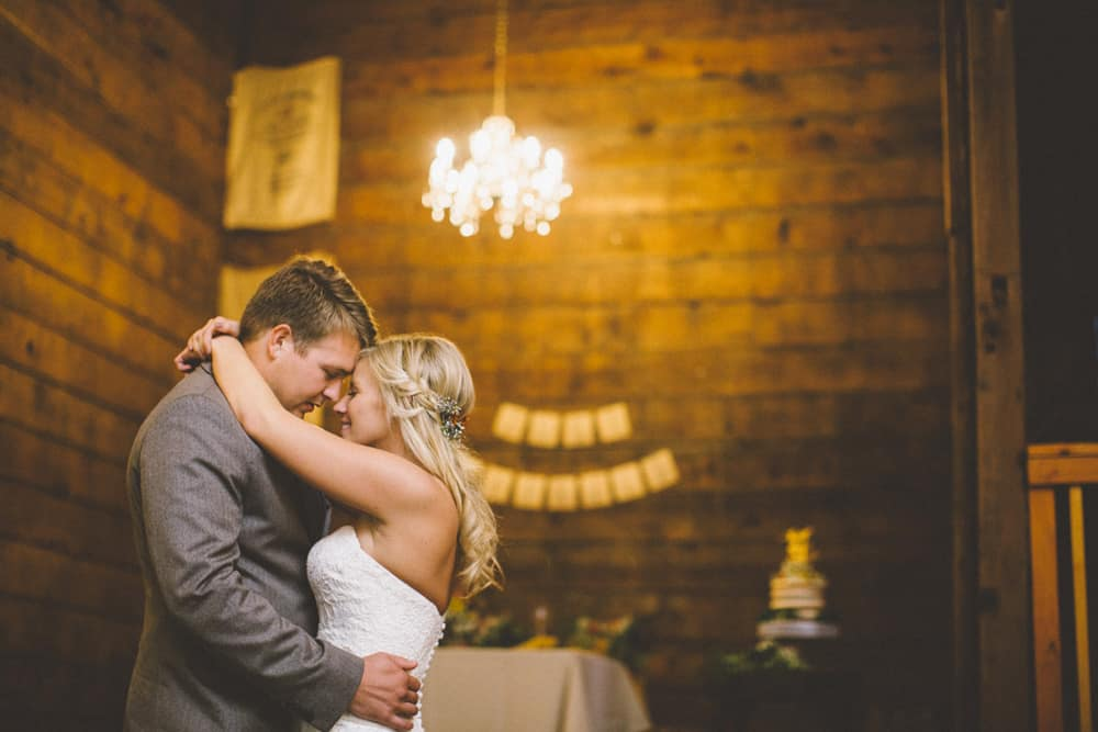 Petaluma Sonoma Ranch Estate Barn Wedding Victoria Carlson Central Oregon Bend Photographer Getting 0509