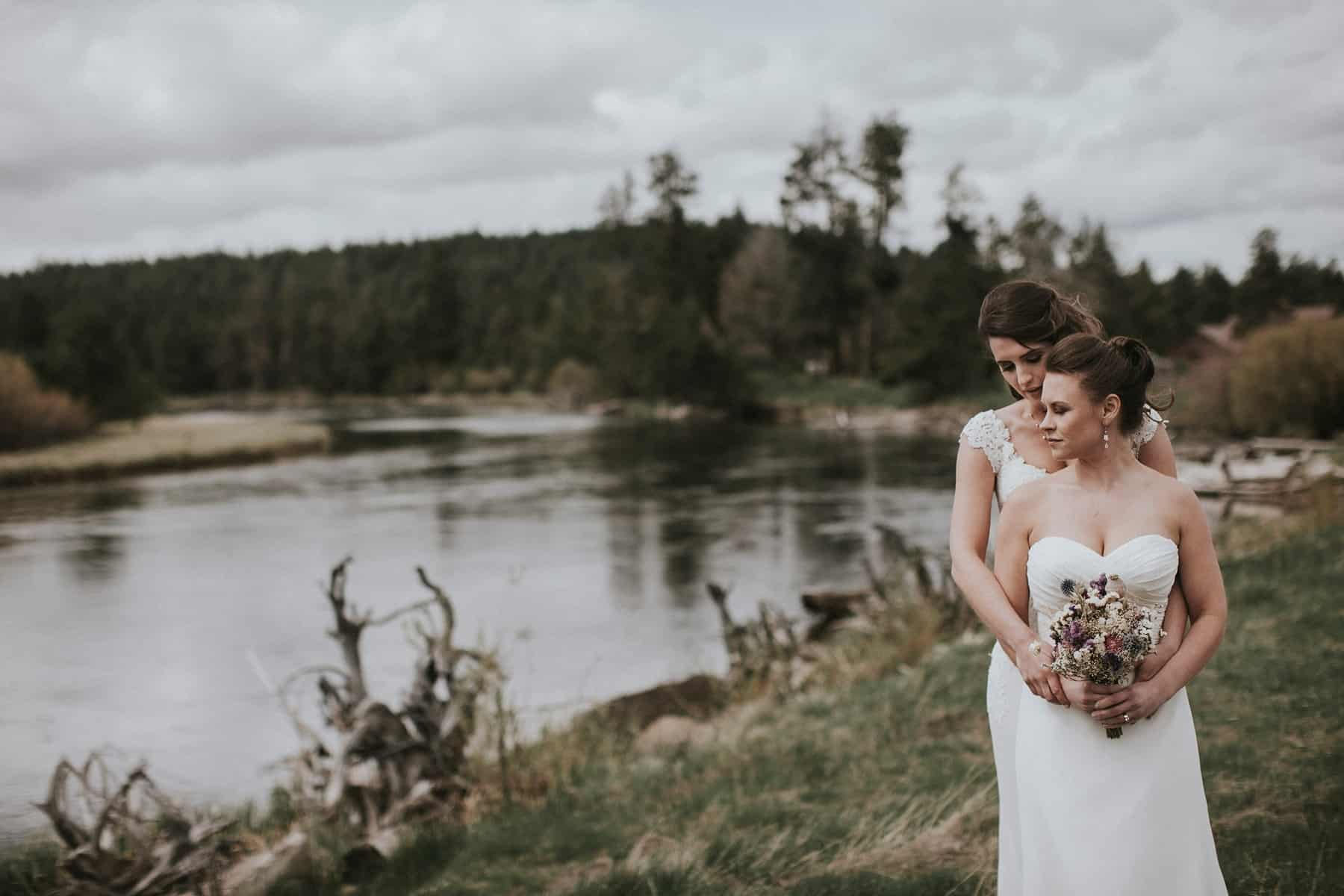 Sara Emily Sunriver Bend Oregon Rustic Lodge Wedding 0030