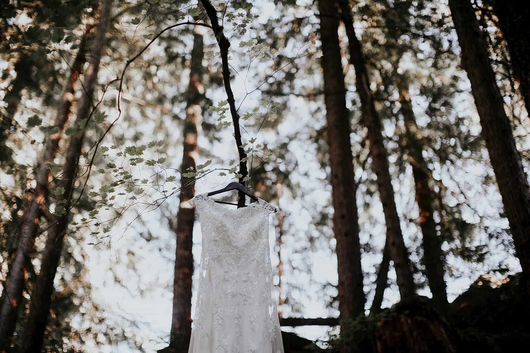 bend-central-oregon-waterfall-adventure-wedding-elopement-000z