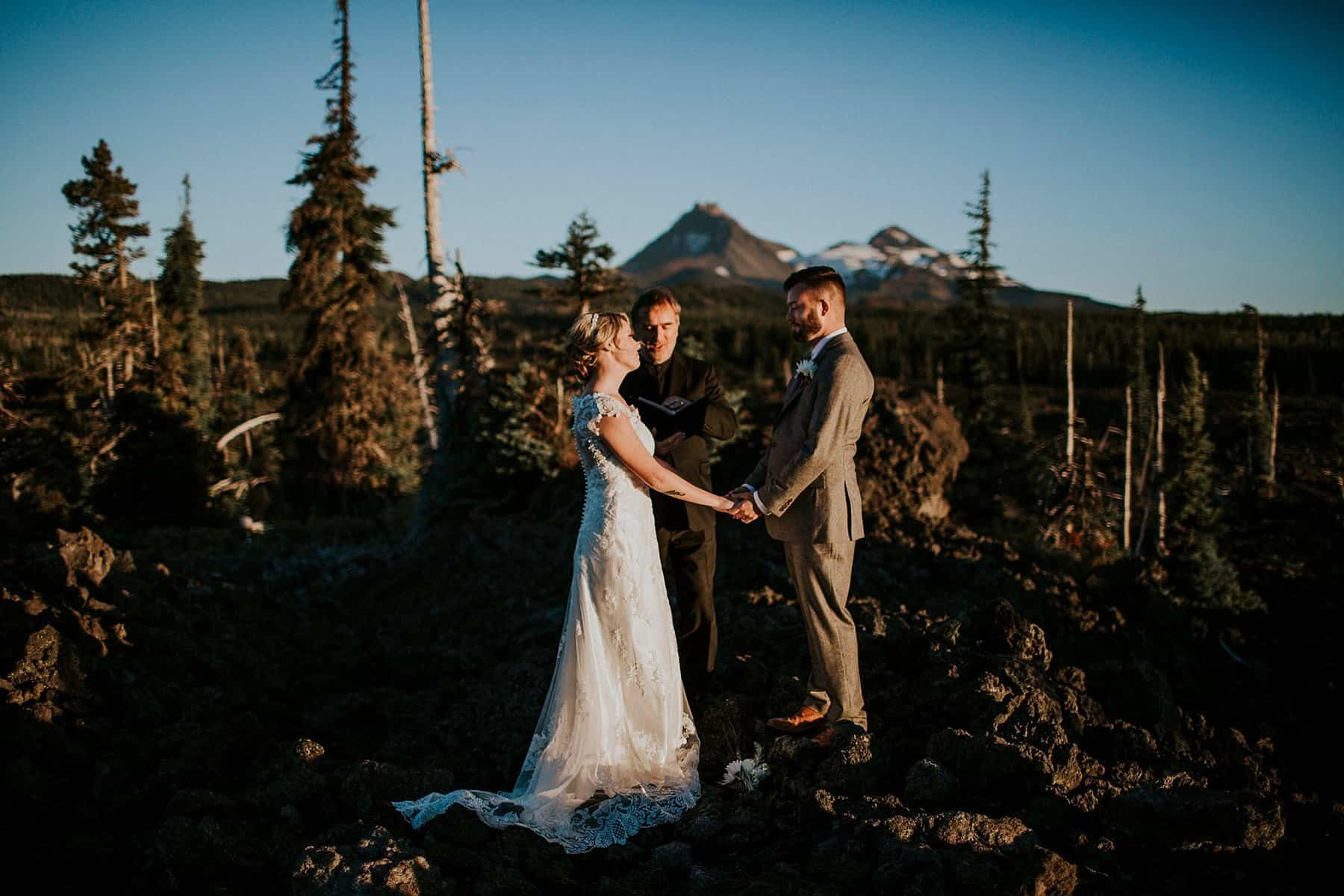 bend-central-oregon-waterfall-adventure-wedding-elopement-025
