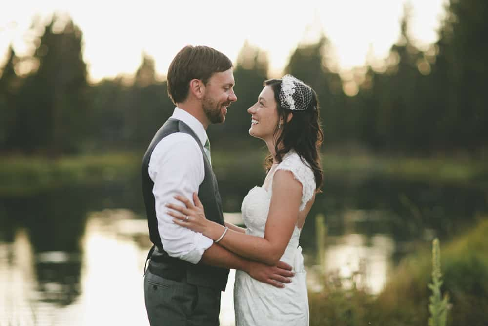 19_sunriver_bend_oregon_backyard_wedding