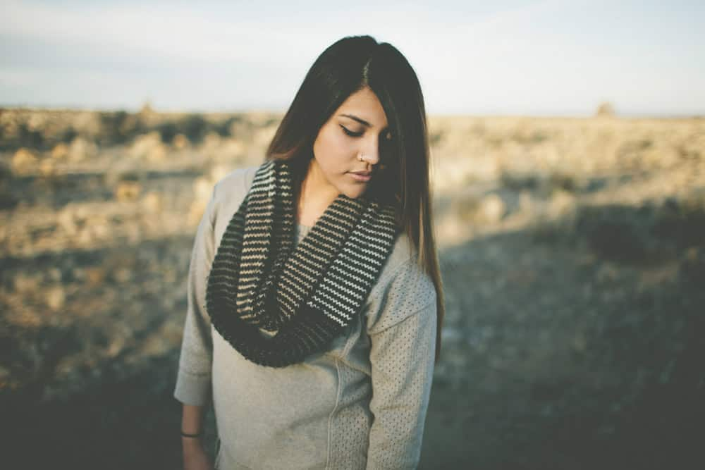 1_kelly_bend_central_oregon_winter_senior_session_portraits