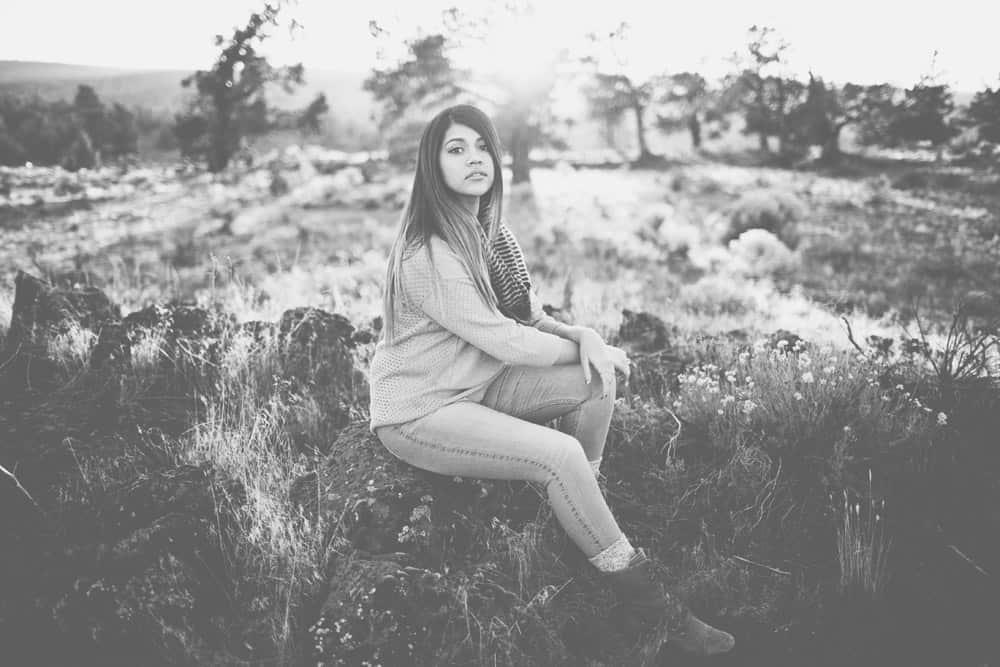 2_kelly_bend_central_oregon_winter_senior_session_portraits