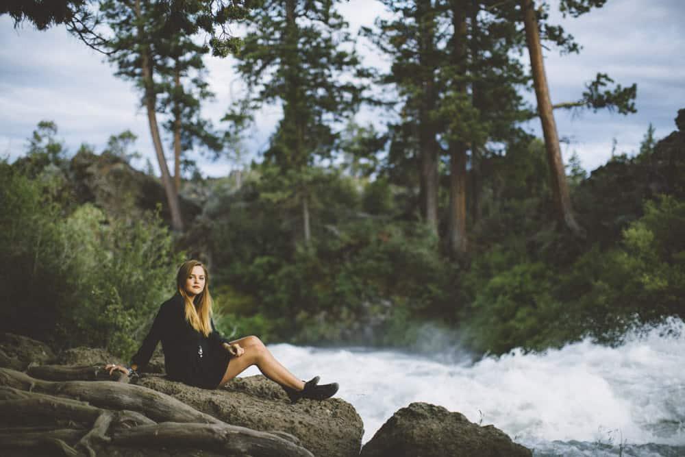 9 Bend Oregon Outdoor Forest Falls Senior Shoot