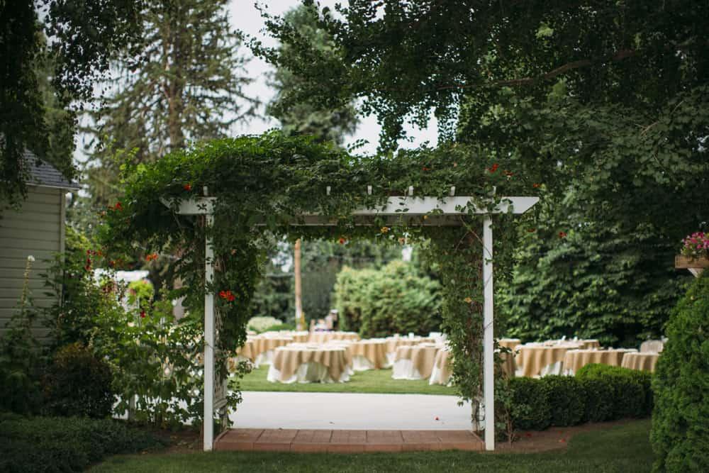 Heather Adam Grandview Farm Backyard Elegant Summer Wedding 0011