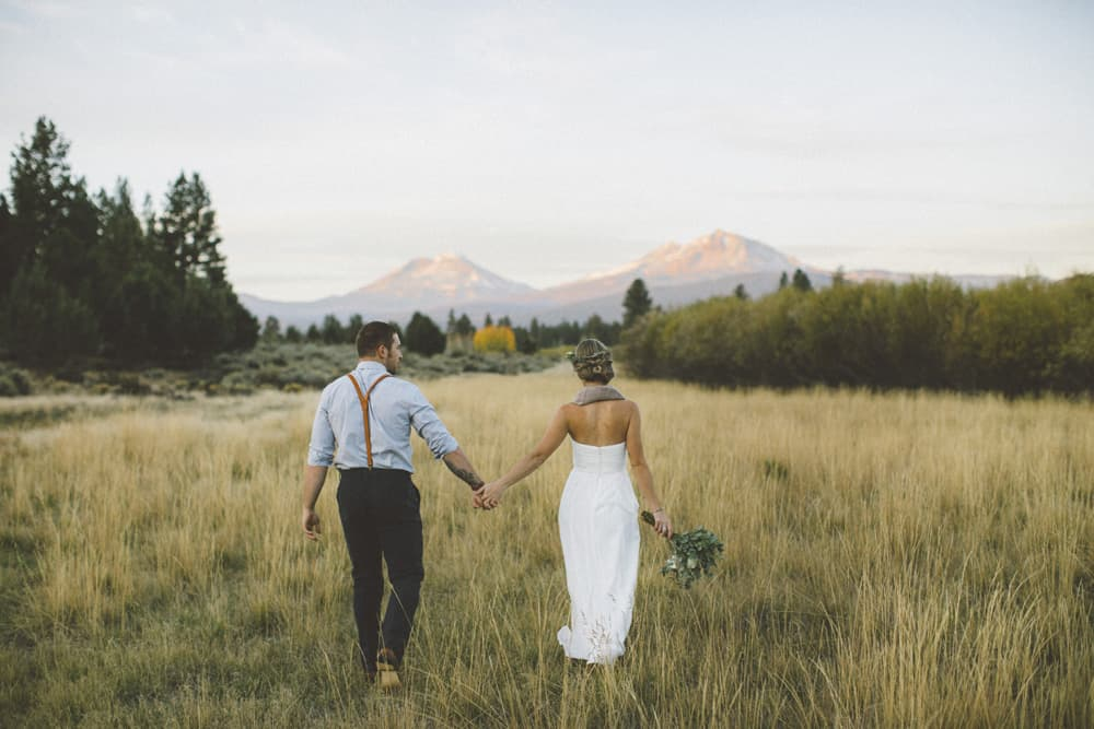 stylish mountain meadow elopement central oregon victoria carlson photography 0011