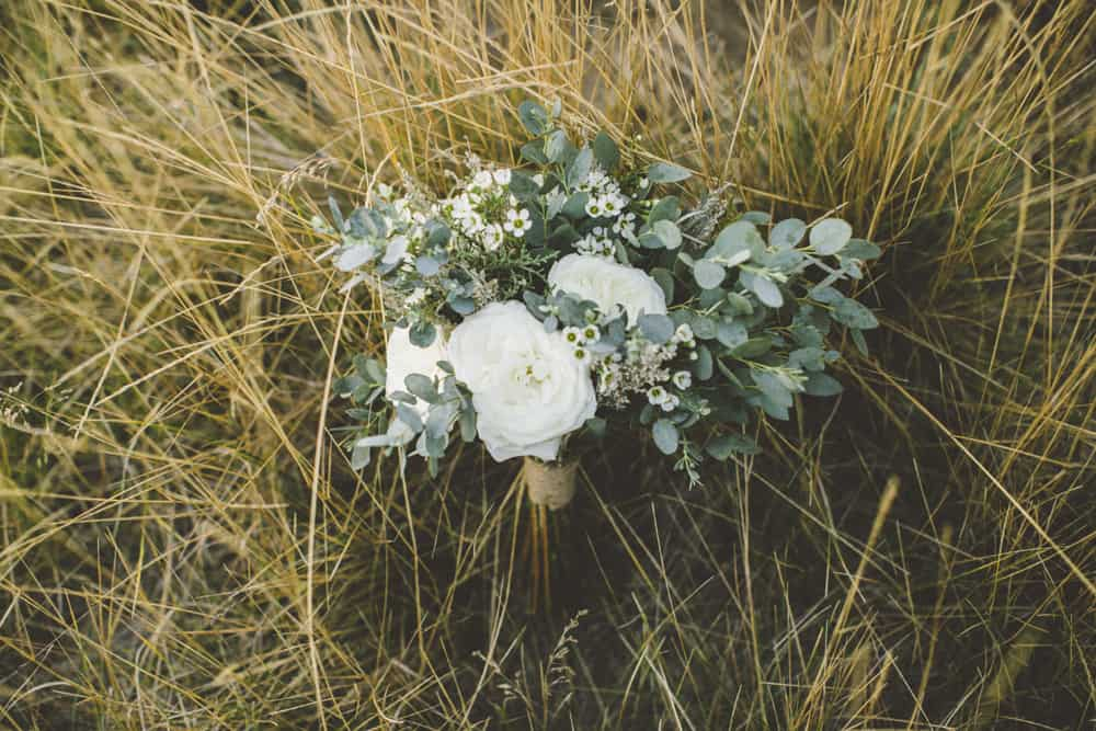 stylish mountain meadow elopement central oregon victoria carlson photography 0021