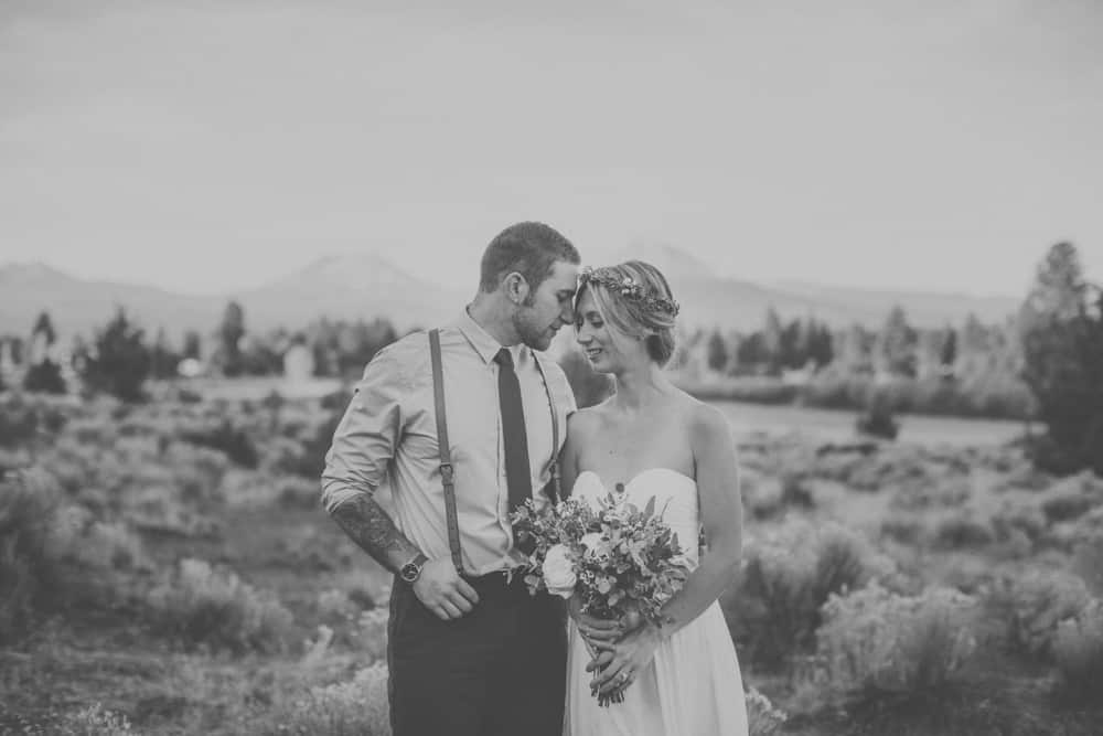 stylish mountain meadow elopement central oregon victoria carlson photography 0031