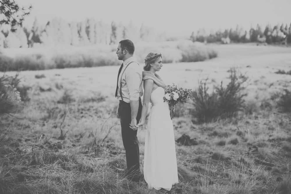 stylish mountain meadow elopement central oregon victoria carlson photography 0033