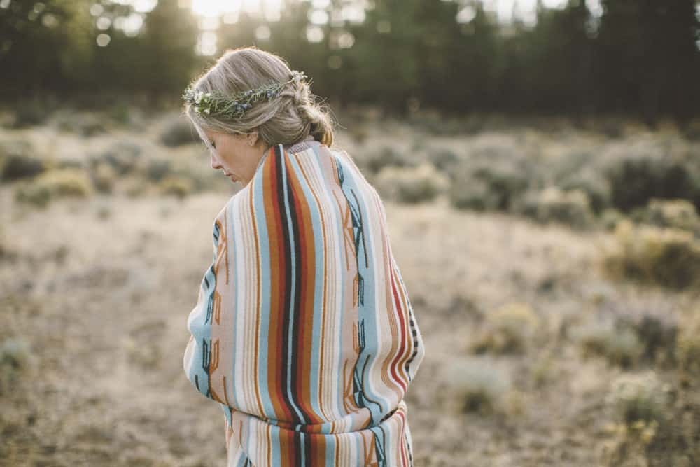 stylish mountain meadow elopement central oregon victoria carlson photography 0044