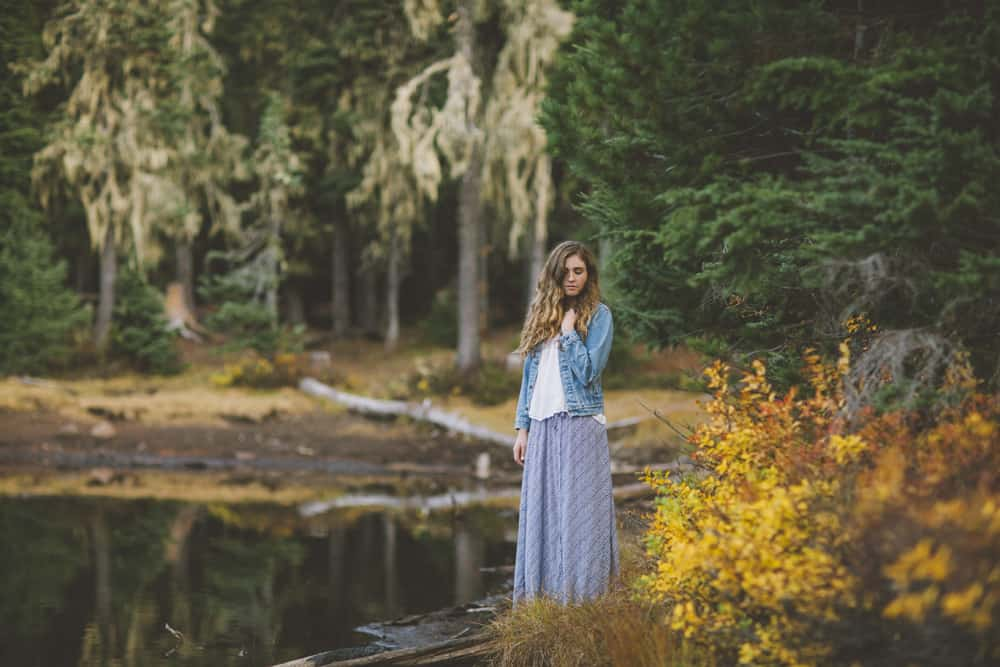Central Oregon Sisters Bend Senior Session Outdoor Lake Lava Flow Adventure 007