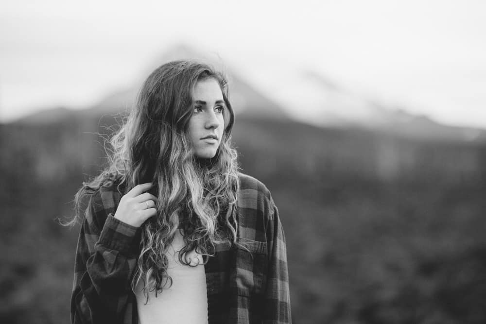 Central Oregon Sisters Bend Senior Session Outdoor Lake Lava Flow Adventure 019