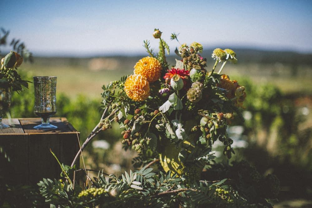 tetherow golf course bend oregon outdoor summer wedding victoria carlson photography 0046