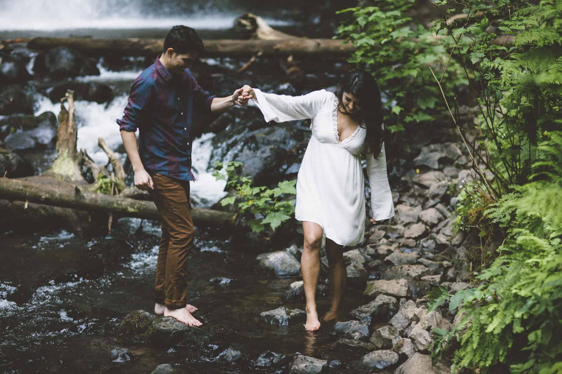 columbia gorge portland engagement photographer