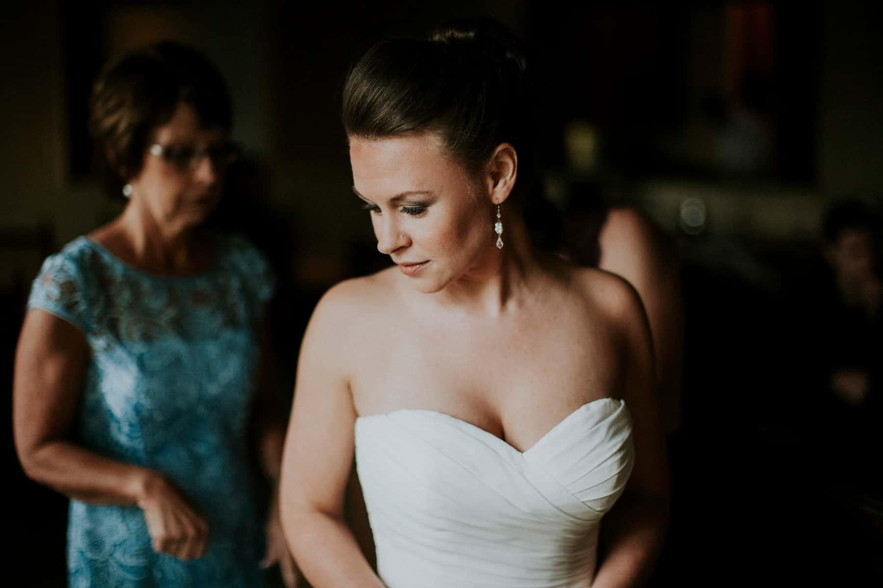 Sara Emily Sunriver Bend Oregon Rustic Lodge Wedding 0006