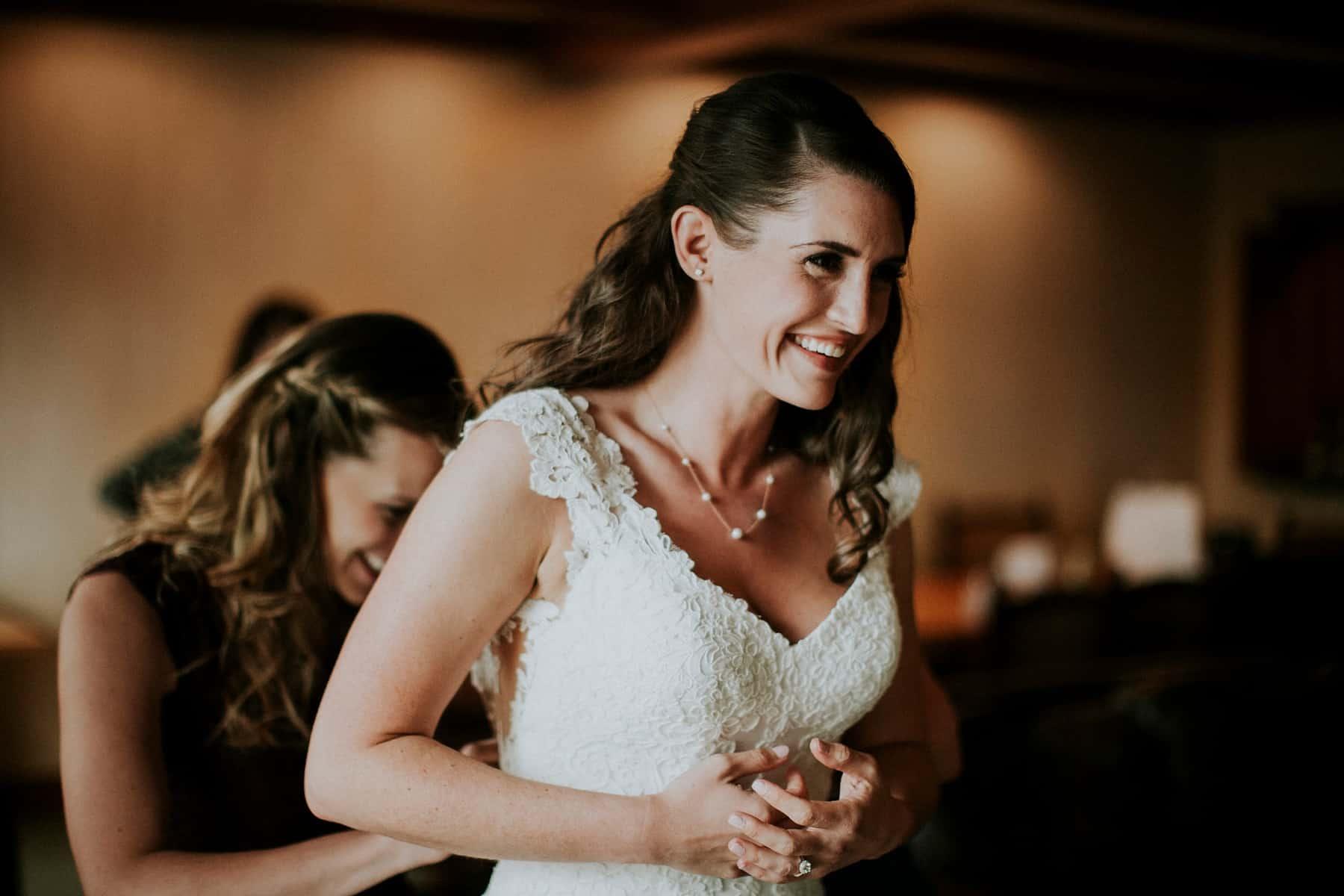 Sara Emily Sunriver Bend Oregon Rustic Lodge Wedding 0018