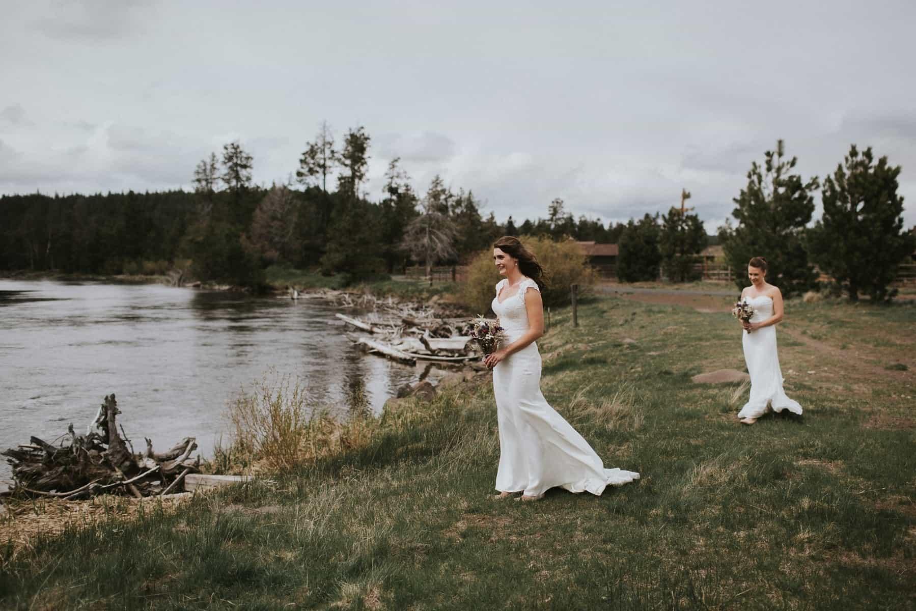 Sara Emily Sunriver Bend Oregon Rustic Lodge Wedding 0023