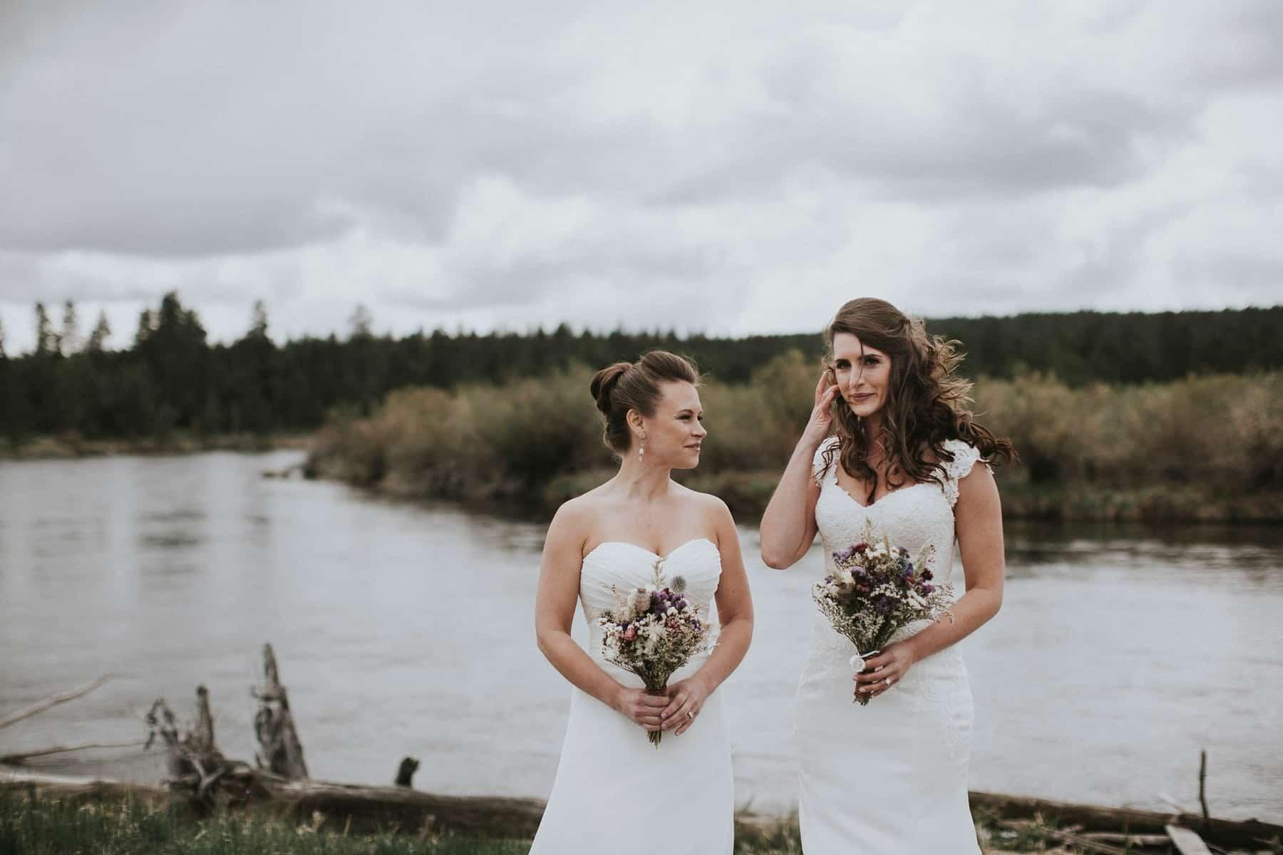 Sara Emily Sunriver Bend Oregon Rustic Lodge Wedding 0025