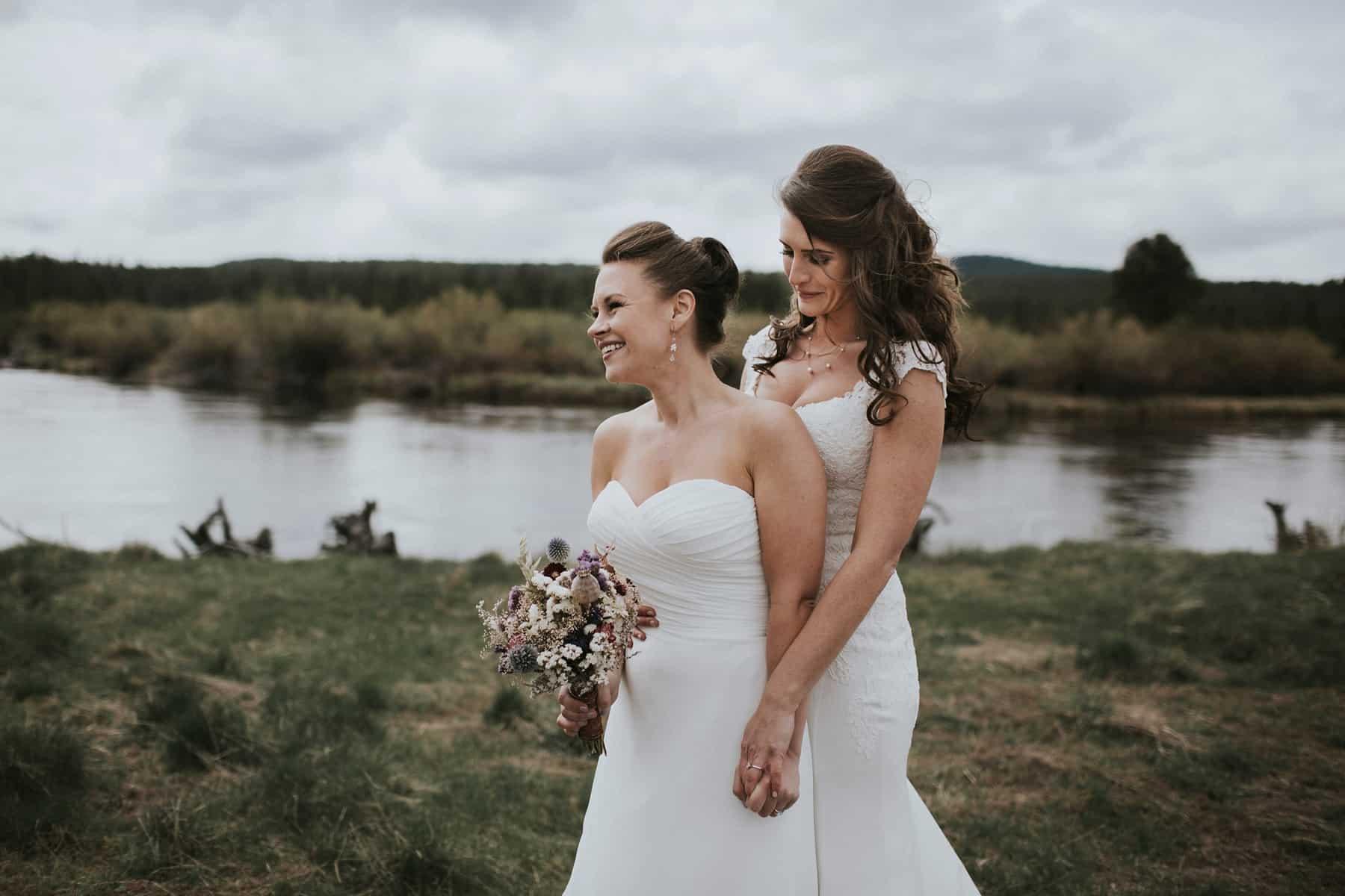 Sara Emily Sunriver Bend Oregon Rustic Lodge Wedding 0028