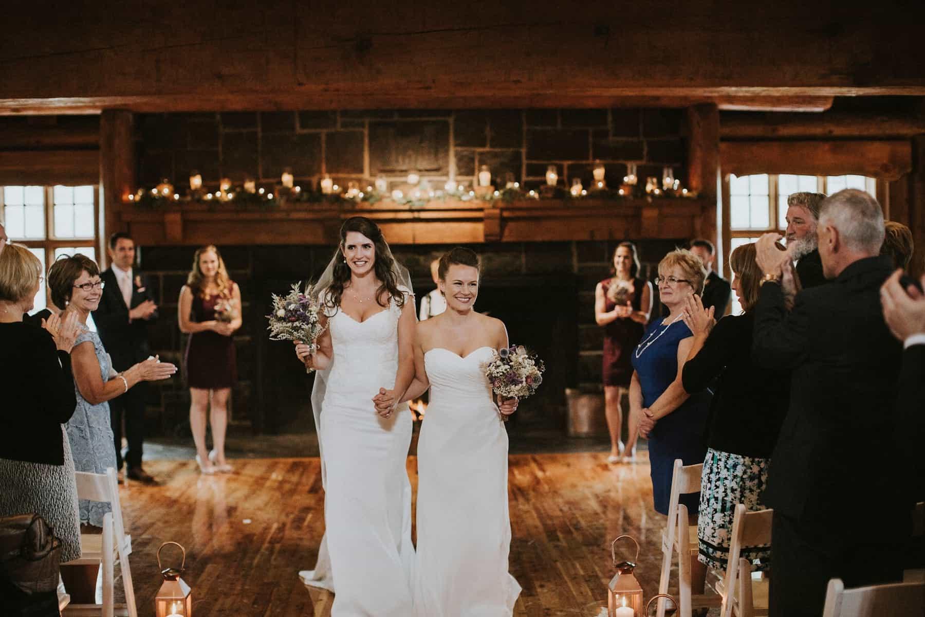 Sara Emily Sunriver Bend Oregon Rustic Lodge Wedding 0048