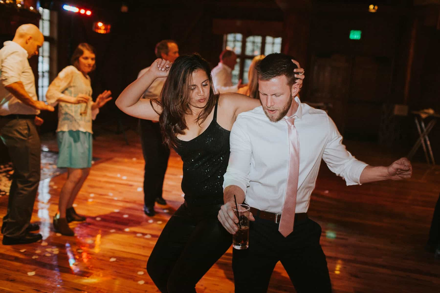 Sara Emily Sunriver Bend Oregon Rustic Lodge Wedding 0080