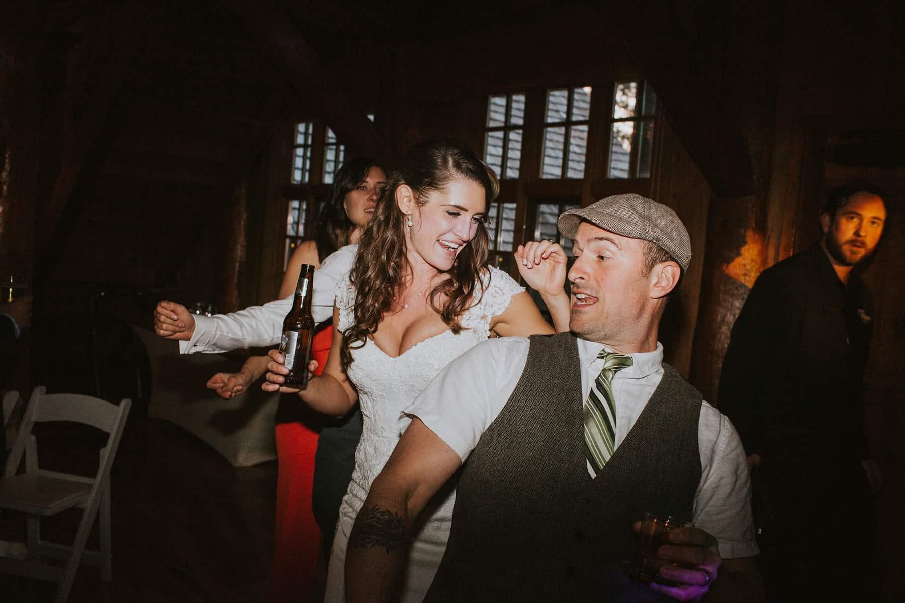 Sara Emily Sunriver Bend Oregon Rustic Lodge Wedding 0082