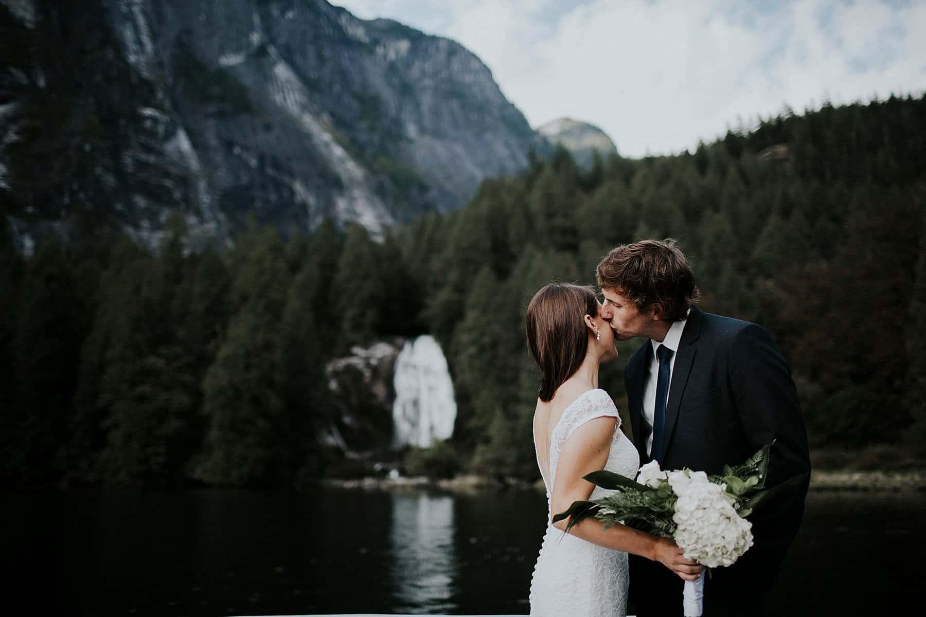 malibu-british-columbia-canada-pacific-northwest-wedding-0033