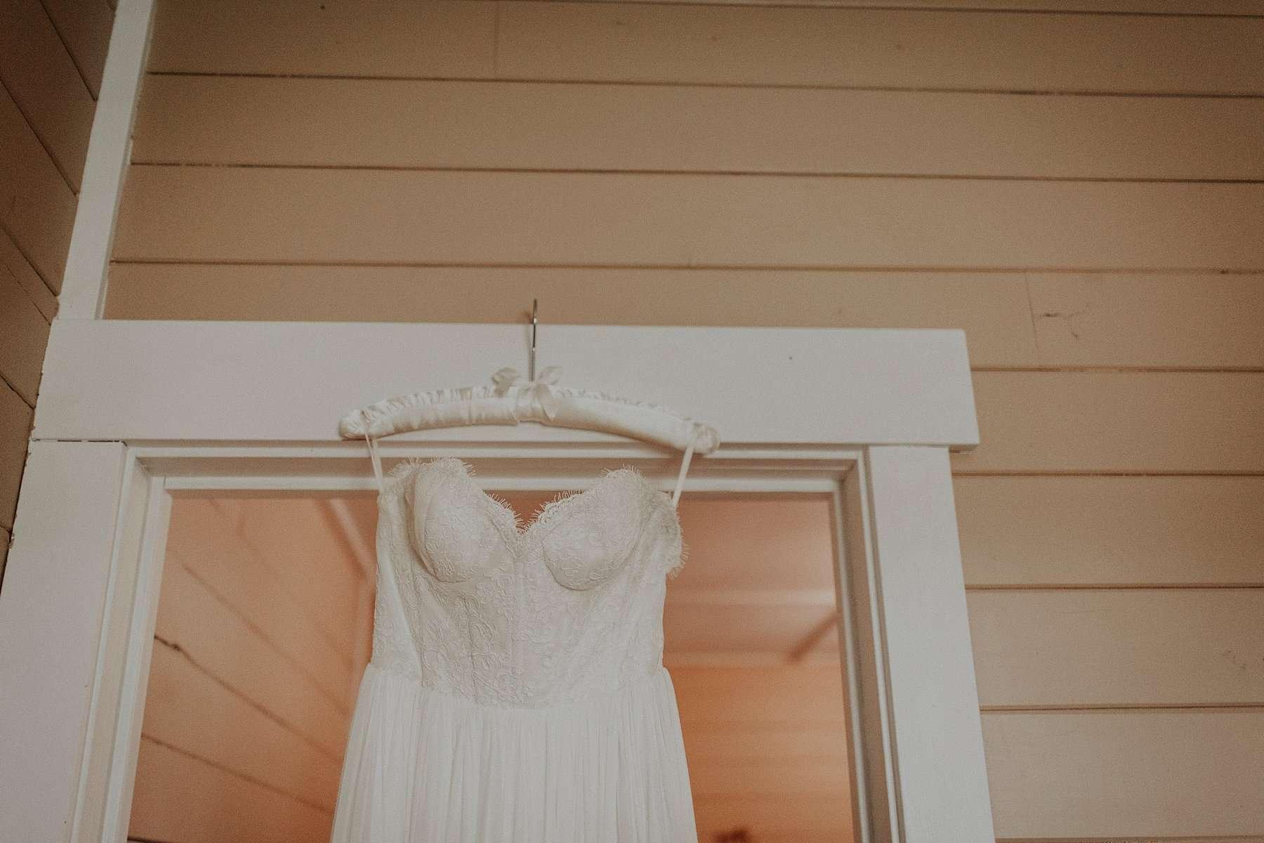 Northwest Oregon Classy Bohemian Country Wedding Victoria Carlson 0010