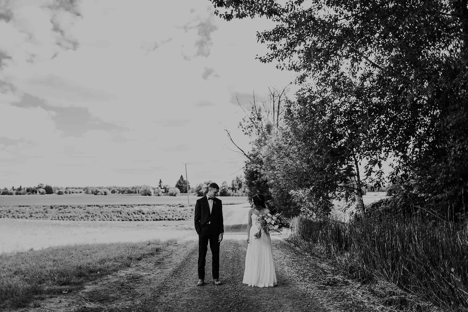 Northwest Oregon Classy Bohemian Country Wedding Victoria Carlson 0022