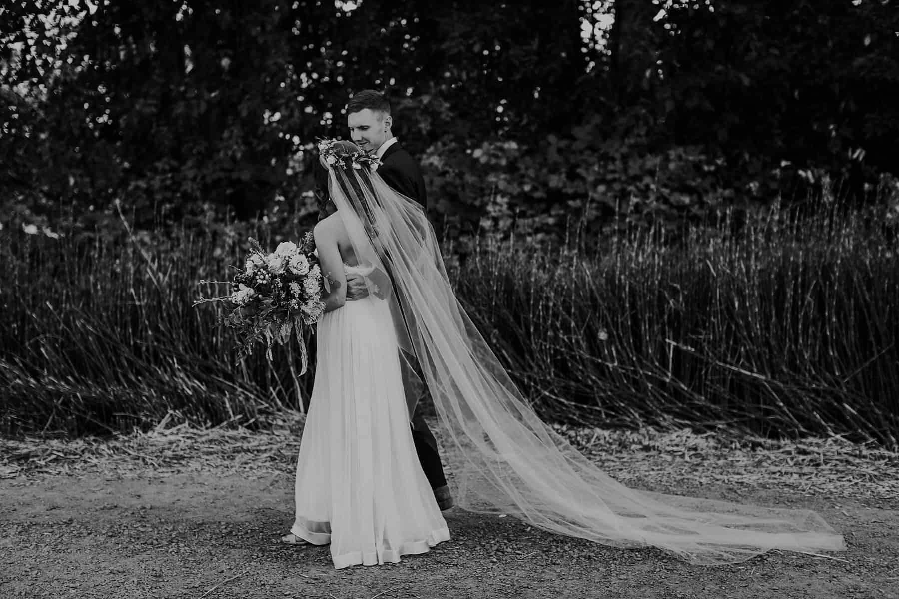Northwest Oregon Classy Bohemian Country Wedding Victoria Carlson 0045