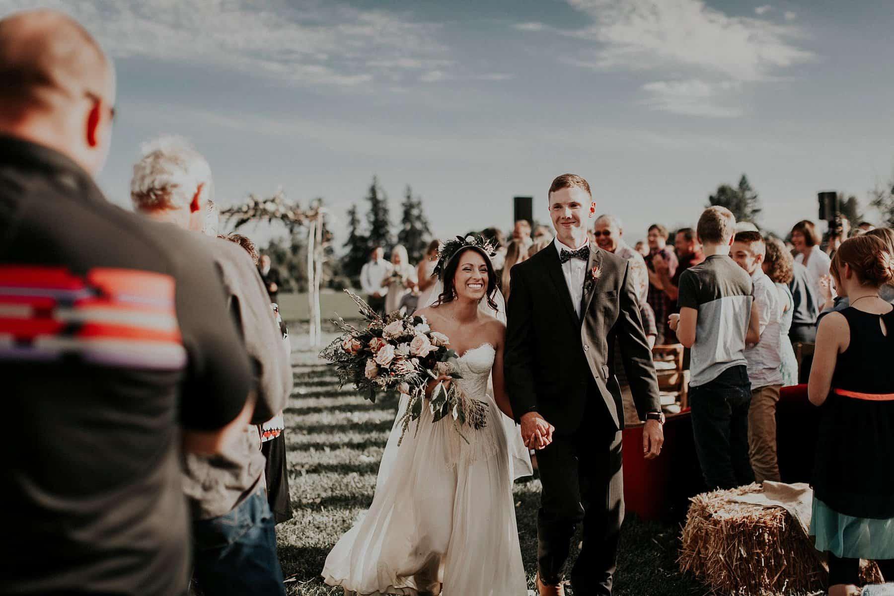 Northwest Oregon Classy Bohemian Country Wedding Victoria Carlson 0058