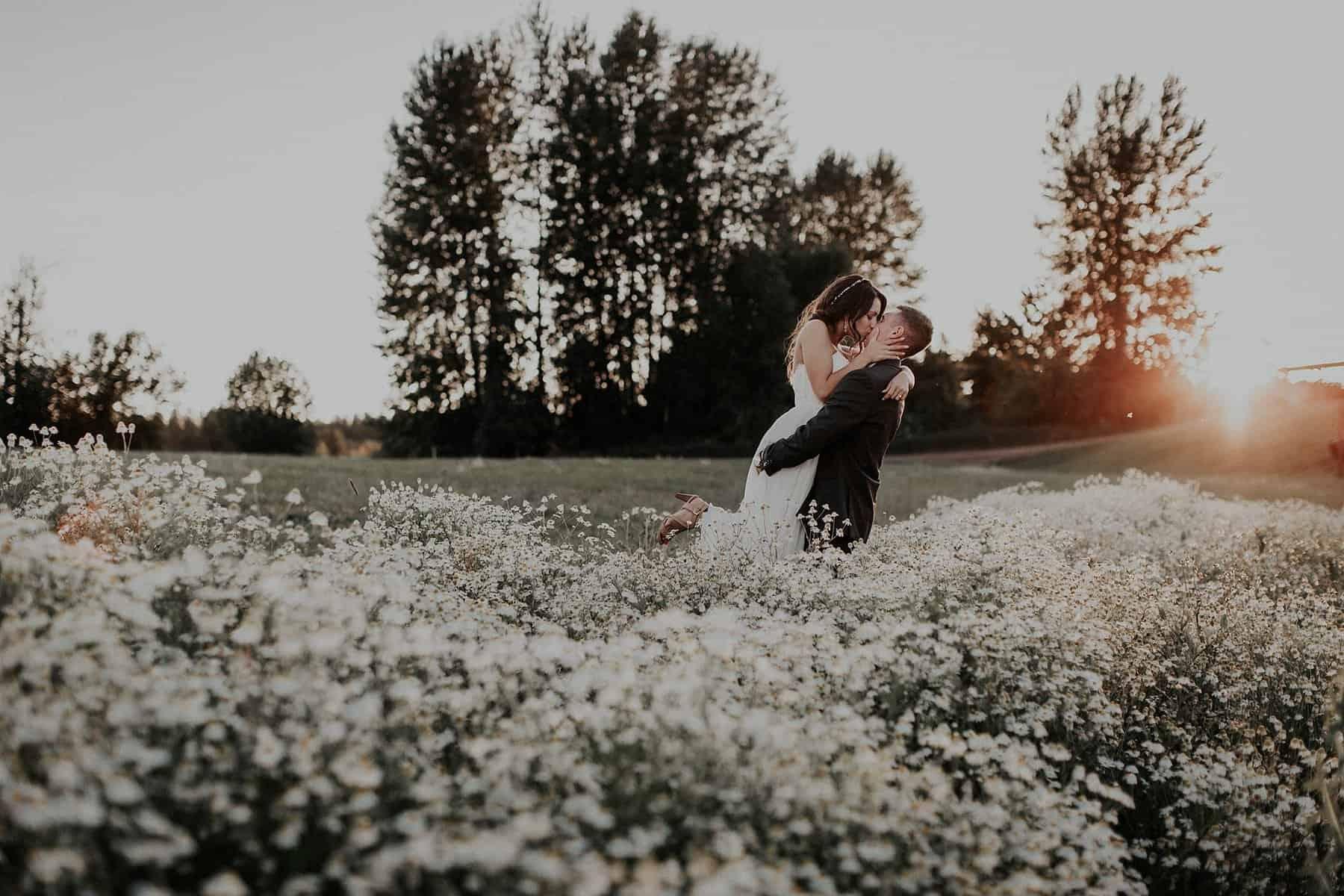 Northwest Oregon Classy Bohemian Country Wedding Victoria Carlson 0082